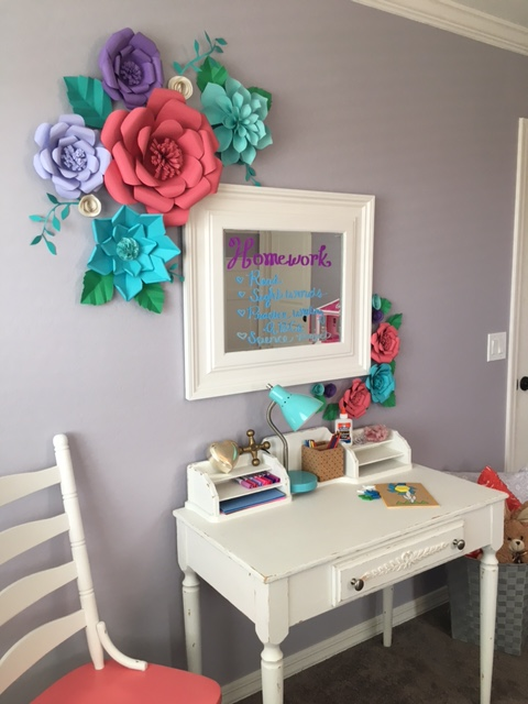 How to make paper flowers. Links to tutorials. Homework or art station. Antique desk. Create this cute desk for your little girl's bedroom. Girls bedroom ideas.